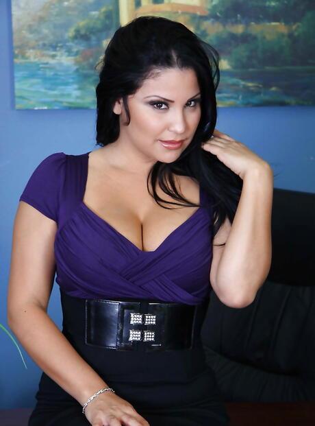 Latina Milf Tits Porn