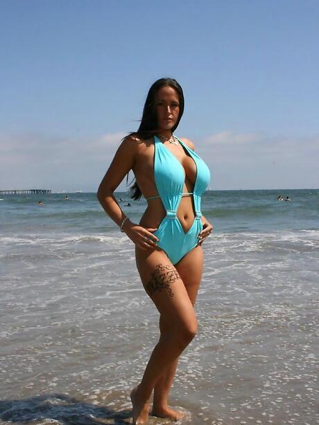 Beach Milf Porn