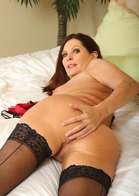 Brunette Milf Booty Porn