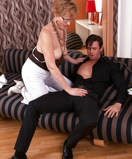 Milf Stepmom Booty Porn
