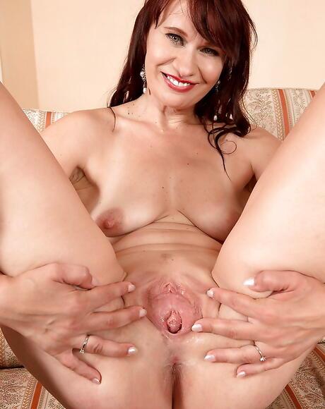 Bald Pussy Milf Porn