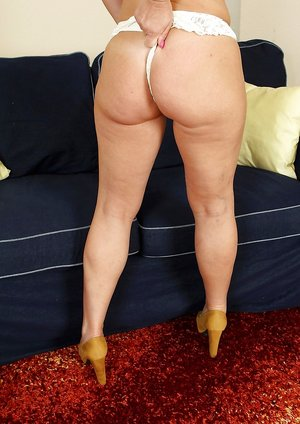 Mature Booty Porn