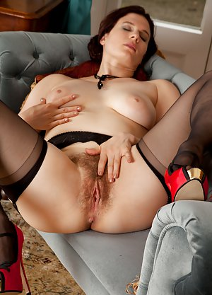 Milf Spreading Porn