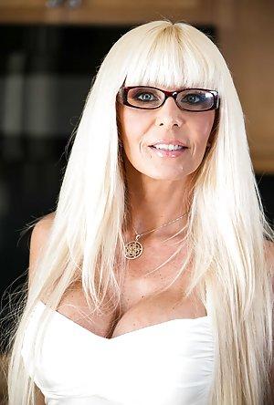 Milf in Glasses Porn