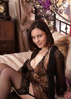 Housewife Milfs Porn