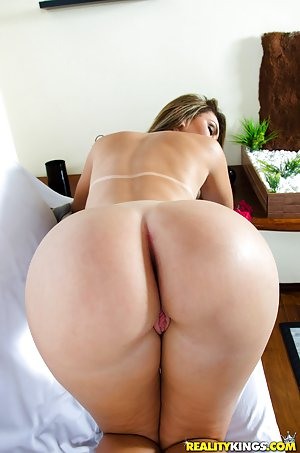 Latina With Big Booty Porn